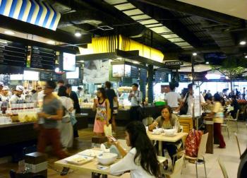 pier 21 food court in terminal 21