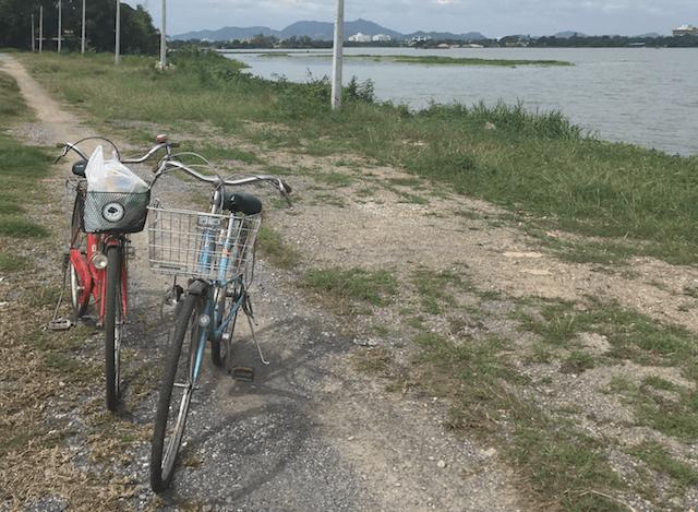 fietsen door kanchanaburi