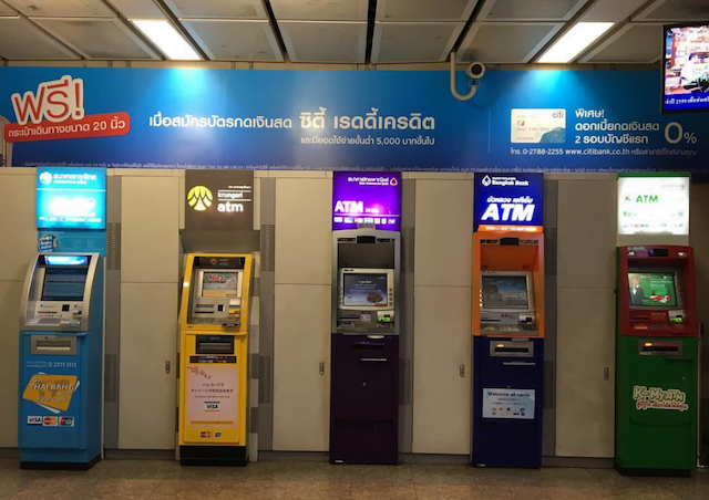 geld pinnen in thailand