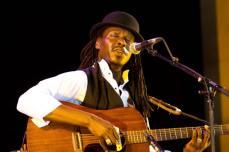 HierSoirAParis - RIGOT Cedric - Festival Jazz Saint Emilion 2106 - Faada Freddy-2