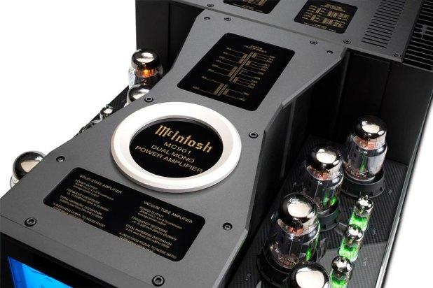 McIntosh MC901 Dual Mono Amplifier 03