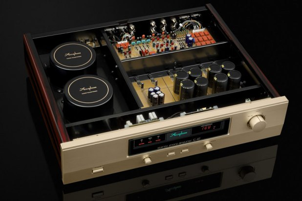 Accuphase C 47 Stereo Phono Amplifier 03