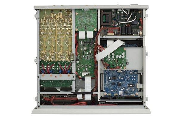 Luxman D 10X Super Audio CD Player 07