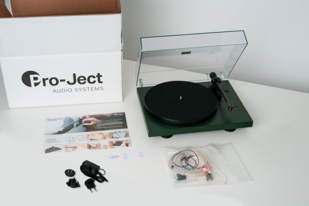 Pro Ject DEBUT Carbon EVO 17