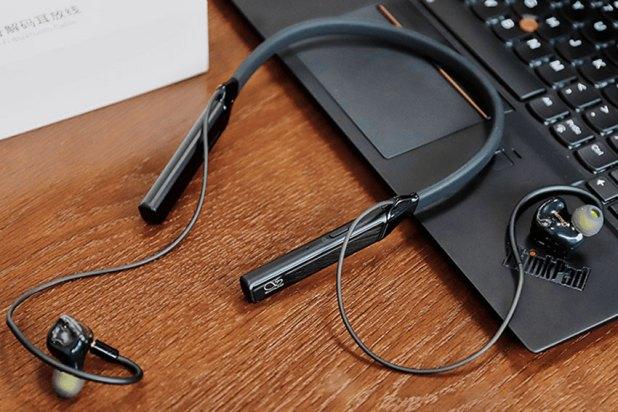 Shanling MW200 Bluetooth Neckband Adapter 04 1