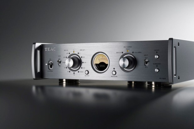 Teac PE 505 Fully balanced Phono Amplifier 03