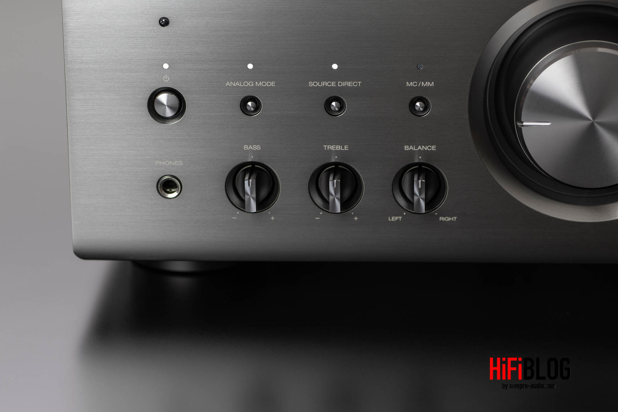 Denon PMA A110 Integrated Amplifier Gallery 2