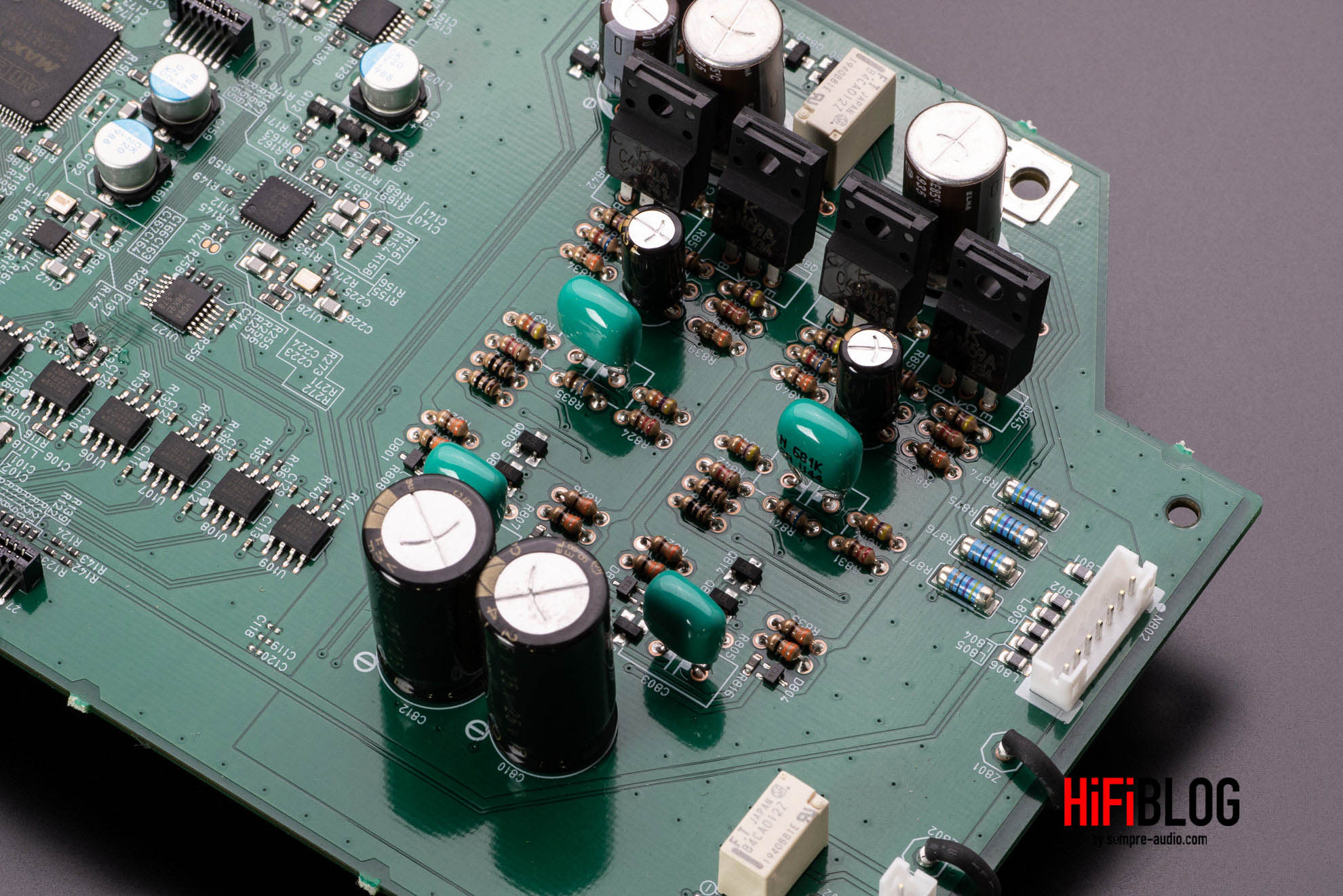 Marantz Model 30 Integrated Amplifier and SACD 30n Network SACD Player 68