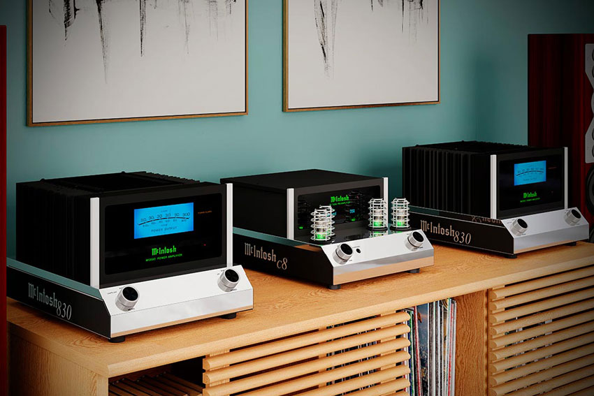 McIntosh MC830 1 Channel Solid State Amplifier 01