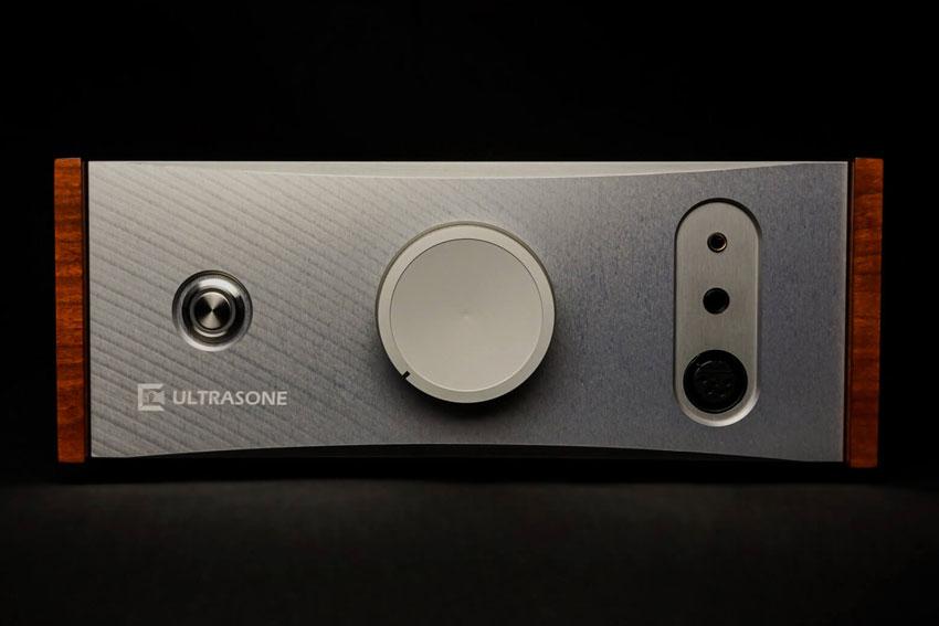 Ultrasone Volcano Headphone Amplifier 01