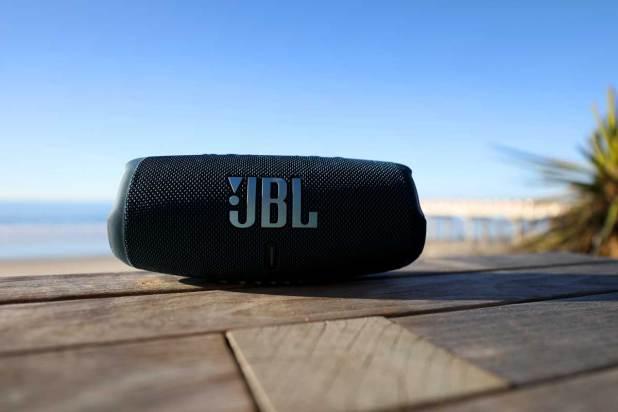 JBL Charge 5 09