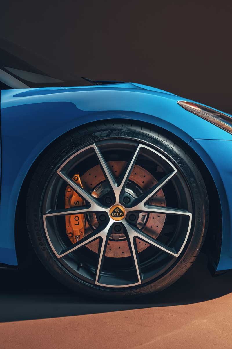 Lotus Emira KEF Premium Audio System KEF Uni Q Chassis 04