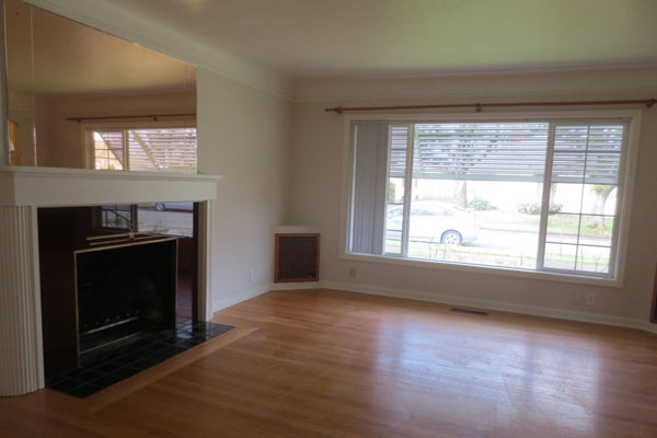 3536-SE-76th,-FosterPowell-Traditional-living-room11
