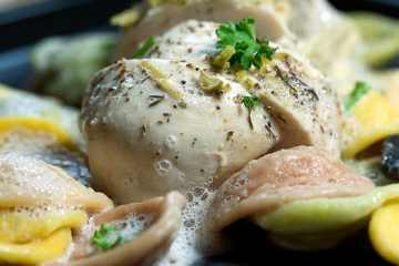 Hühnchenbrustfilet mit Orichiette und Zitronenschaum