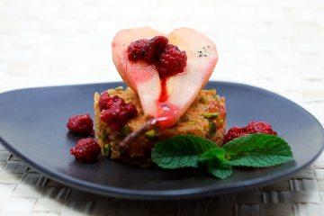 Grenadine-Birnen auf süßem Couscous