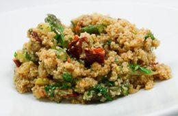 Couscous mit Harissa und grünem Spargel