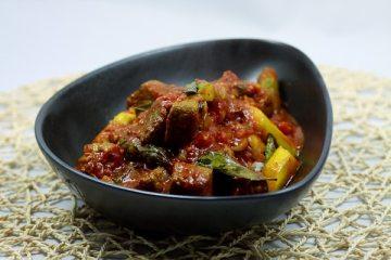 Lamm-Tomaten-Curry mit grünem Spargel