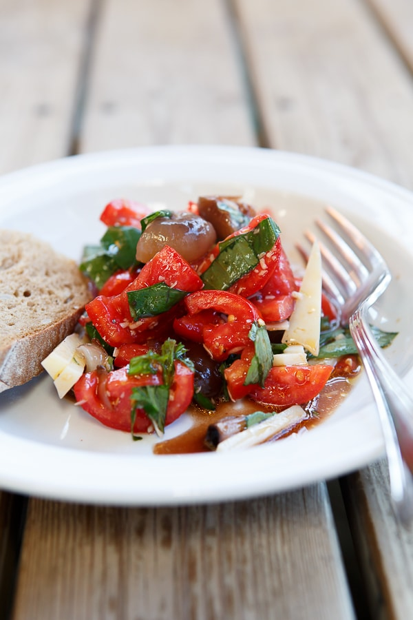 Tomaten-Salat mit cipolle borettane
