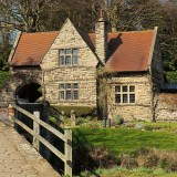 What is a listed building and why specialist insurance