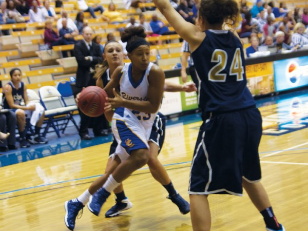 Highlanders' offensive struggles continue in 74-42 loss to ...