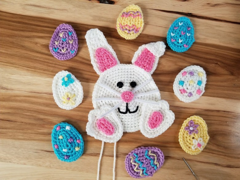 easter wreath - finished bunny and 8 easter eggs appliques
