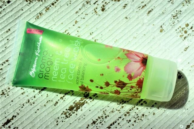 aroma magic neem & tea tree face wash (2)