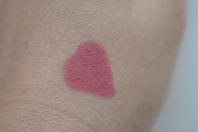 SUGAR Matte As Hell Crayon Lipstick Holly Golightly 04 - Swatch