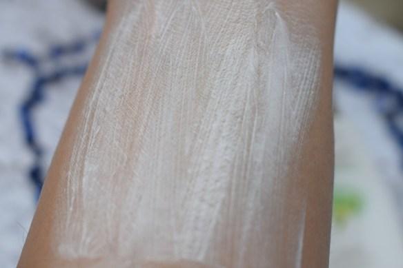 Citra Spot Less Fair Face Cream With Green Tea - Blends Easily