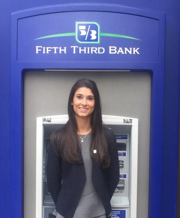 Senior Interns at Fifth Third Bank in Cincinnati | High ...