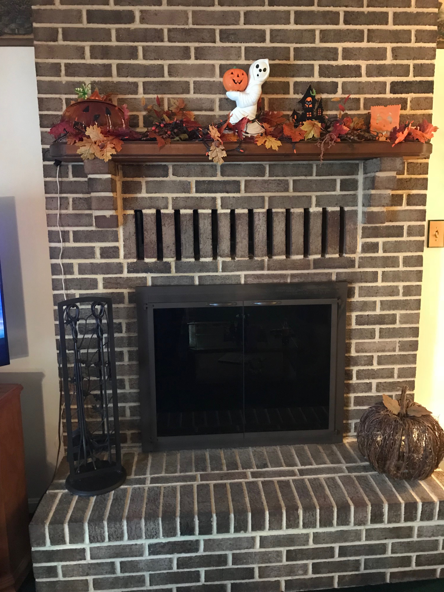 Highs Front Fireplace Full Fireplace
