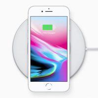 iPhone 8 auf Ladestation