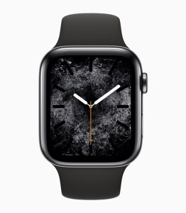Apple Watch Series 4 in Space Grey mit Silikon-Armband