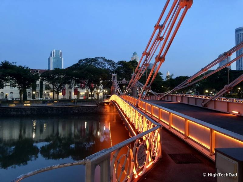 HTD Apple iPhone X - Singapore at night
