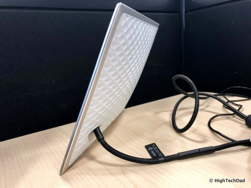HighTechDad Nixplay Iris Digital WiFi Frame Review - cord stand