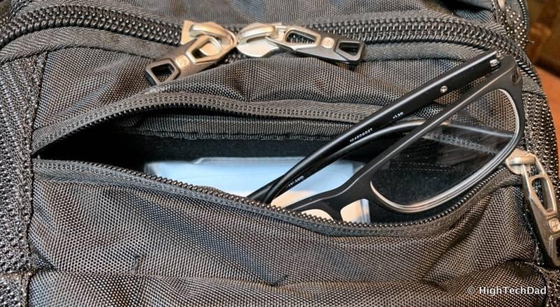 HighTechDad Swissgear 5358 USB ScanSmart Backpack Review - eyeglass holder
