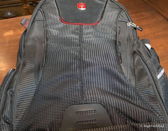 HighTechDad Swissgear 5358 USB ScanSmart Backpack Review - materials