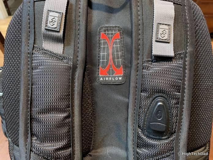 HighTechDad Swissgear 5358 USB ScanSmart Backpack Review - Airflow