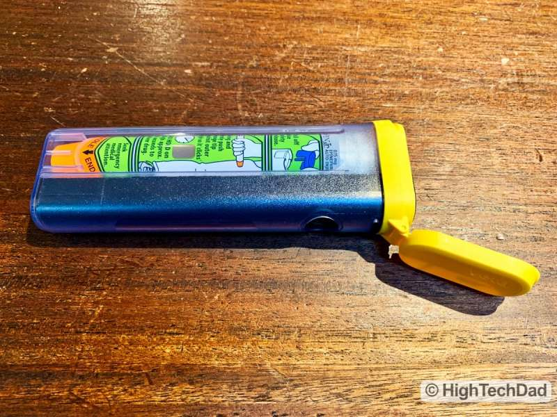 HighTechDad review Aterica Veta Smart Case for EPIPENS - EPIPEN in Veta