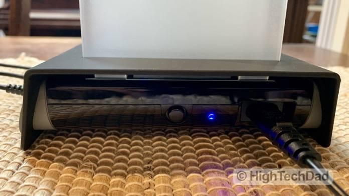 HighTechDad Naztech Power Hub4 power bank review - power button