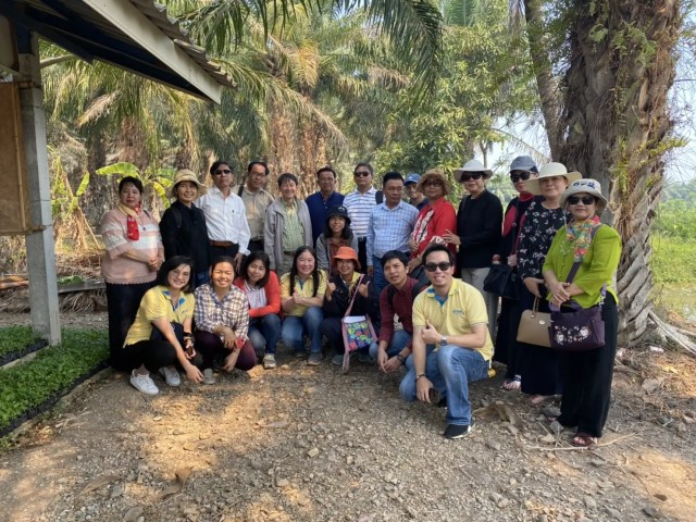 The University of Yangon, Myanmar and Chulalongkorn University's delegates visited Community Water Resource Management at Bueng Cham Or sub-district, Pathum Thani