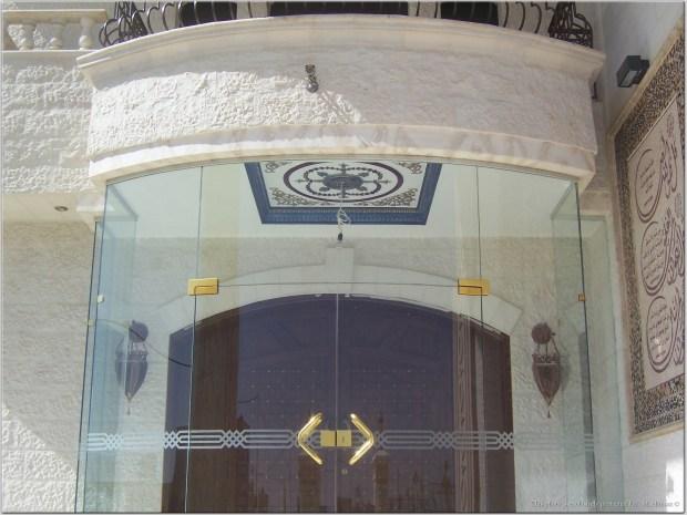 زجاج السيكوريت