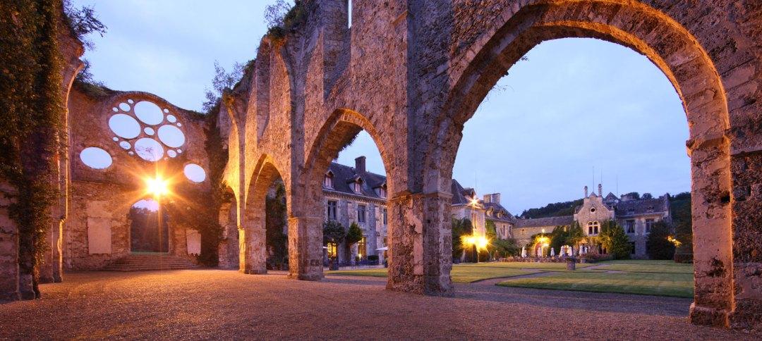 Abbaye des vaux de cernay la nuit
