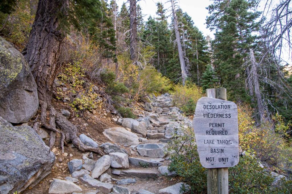 desolation wilderness trail sign