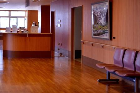 総合病院の待合室のイメージ