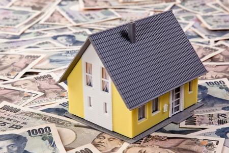 敷金と賃貸住宅の模型イメージ