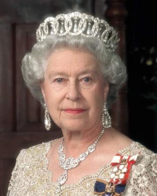 queen elizabeth ii Preparem se, crianças, as mais lindas parures do mundo, em leilão da Christies!