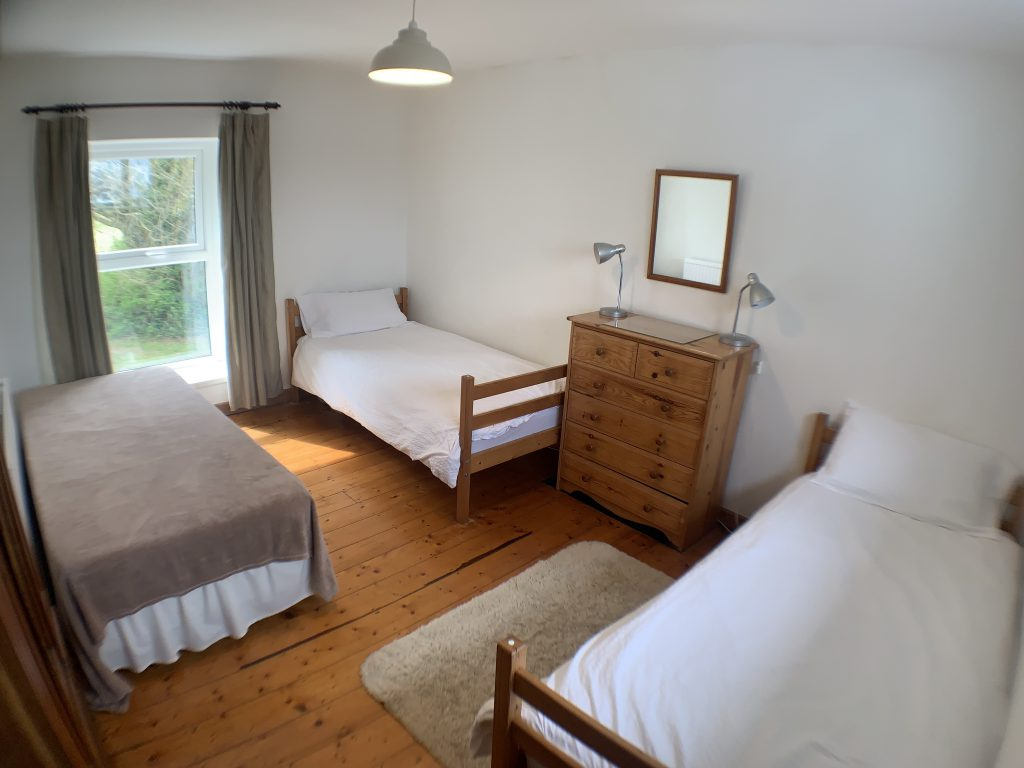 Gower Self Catering Holiday Cottage bedroom 3