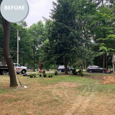 picture of a front yard before landscaping services from Hillside Seasonal Services