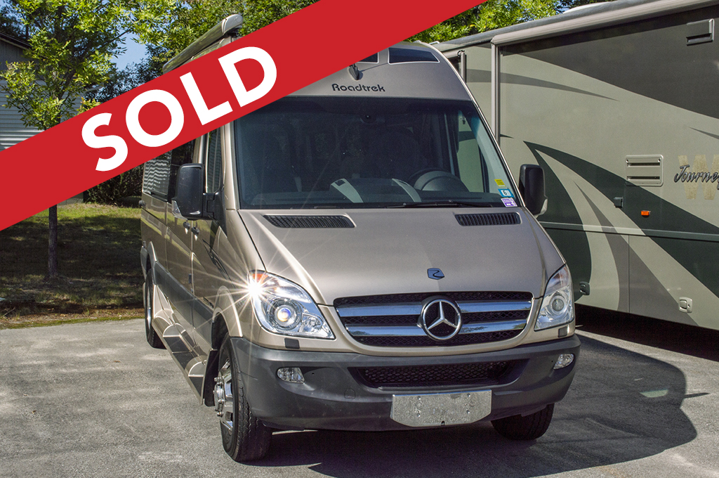 - SOLD! -2013 ROADTREK 22RS-ADVENTUROUS Image