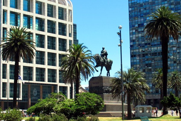 Plaza Independencia, desde donde sale el Free Walking Tour Montevideo